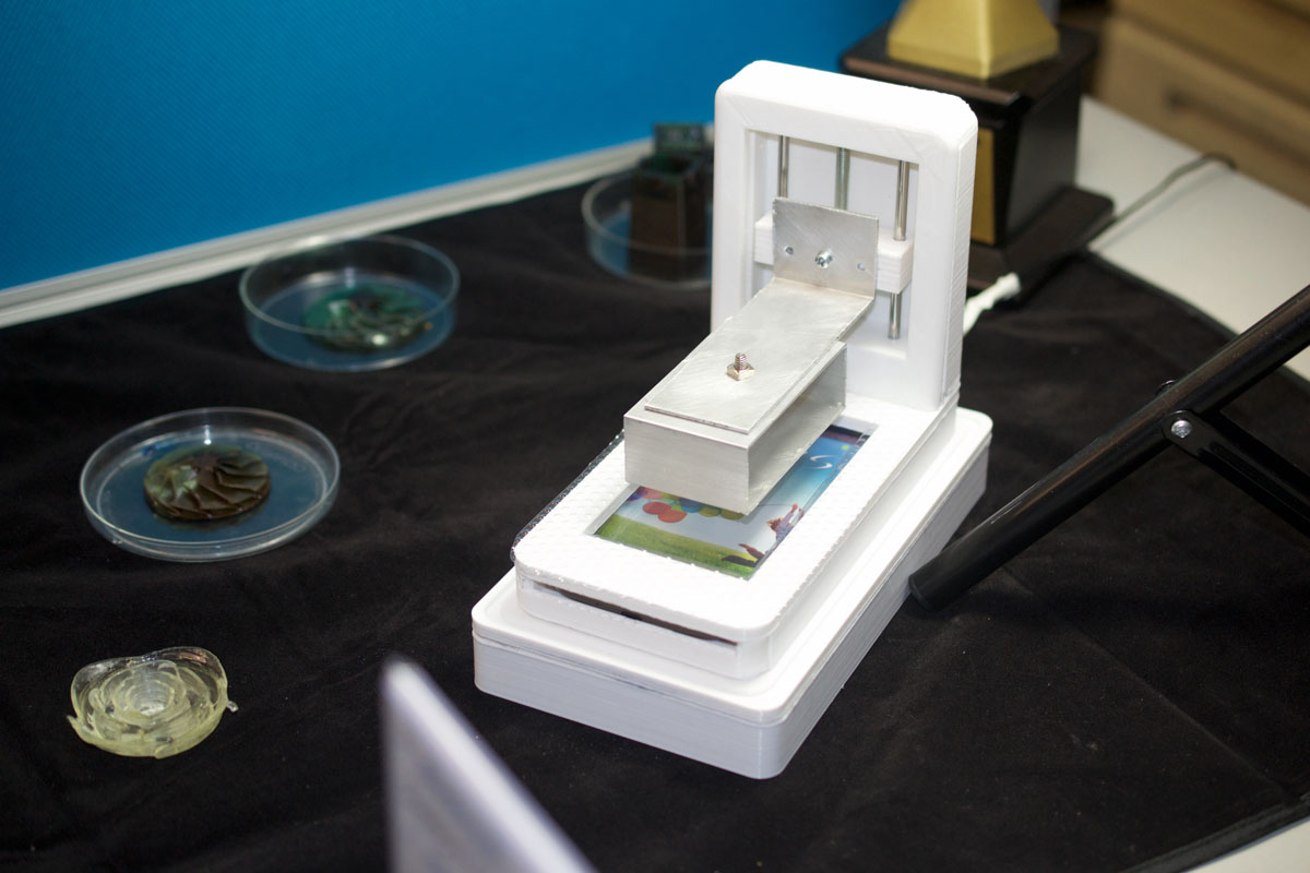 taiwan-tech-phone-3D-printer